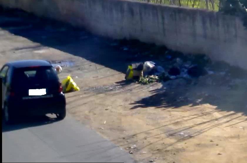 Tolleranza zero per chi lascia i rifiuti in strada