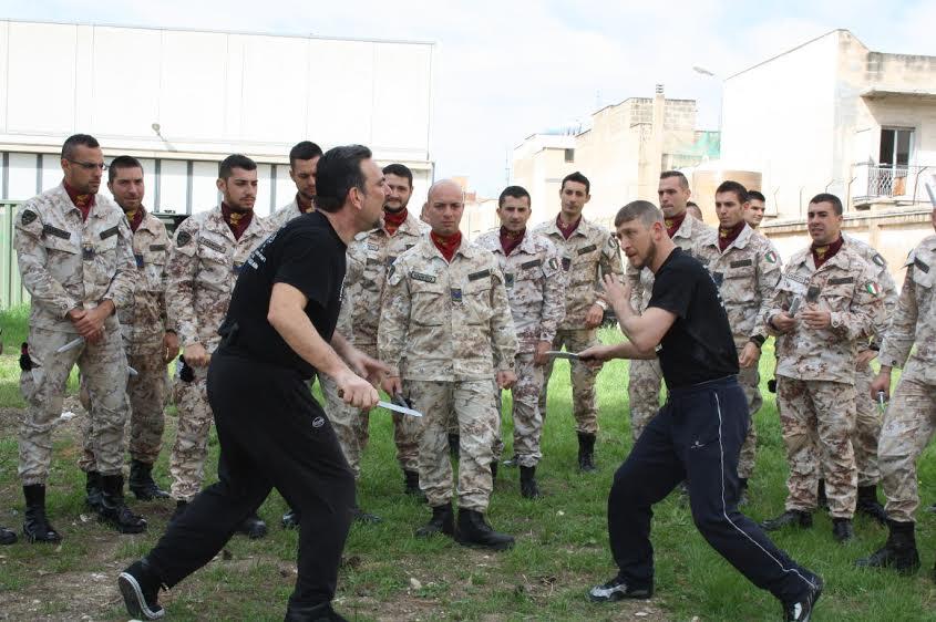Caserma Giannettino: concluso seminario su tecniche di autodifesa nei combattimenti corpo a corpo