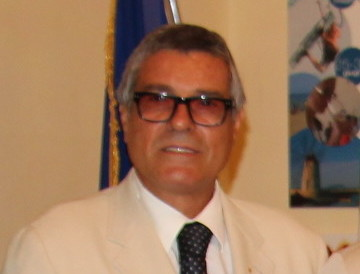"""Domingo si candida con la lista """"Oltre i colori"""". L'ex coordinatore di Forza Italia contesta i vertici del partito"""