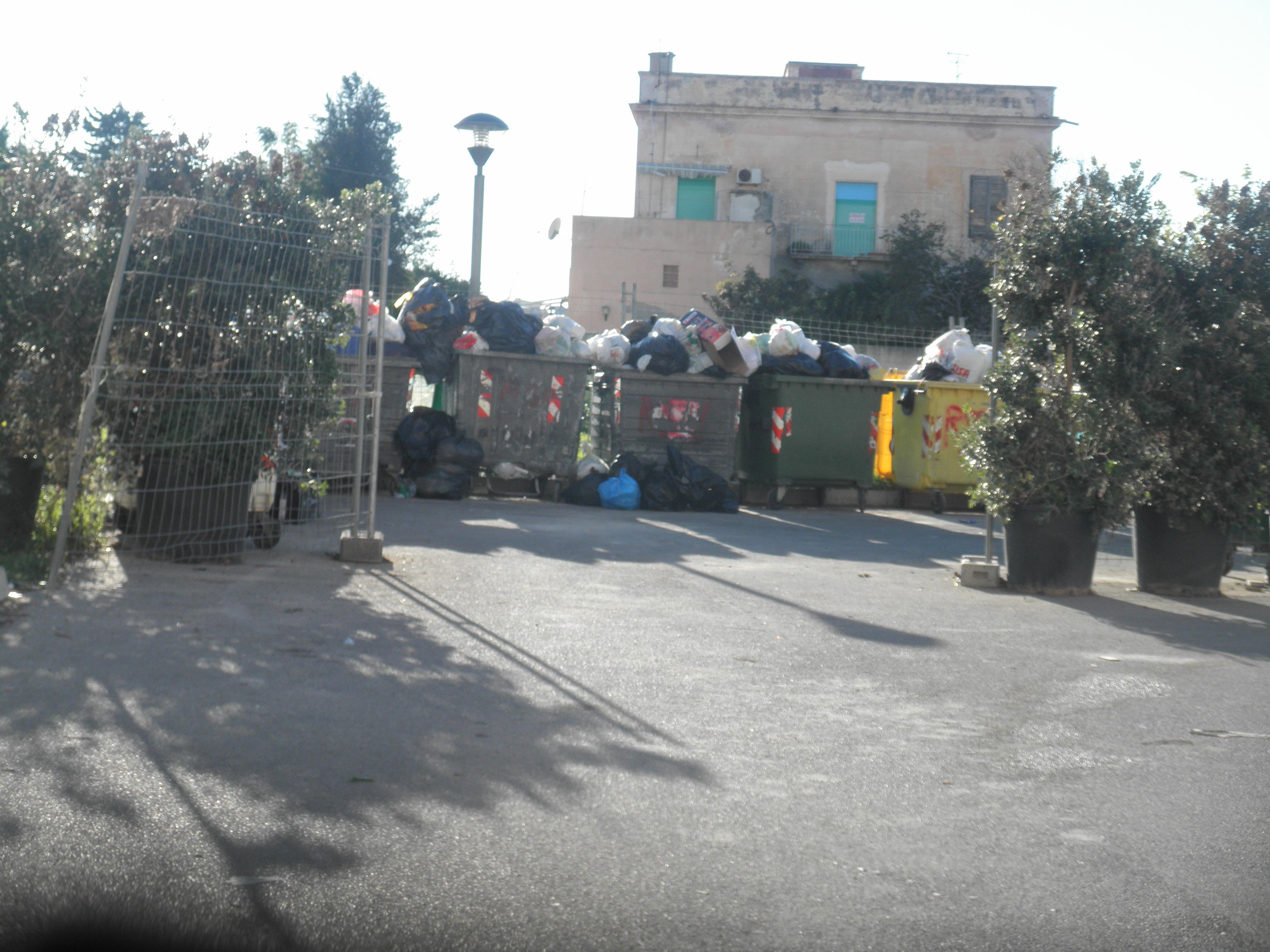 """Emergenza rifiuti: Marsala, Alcamo e Gela potranno portare i rifiuti indifferenziati a Catania. Torna il """"porta a porta"""" anche per l'rsu"""