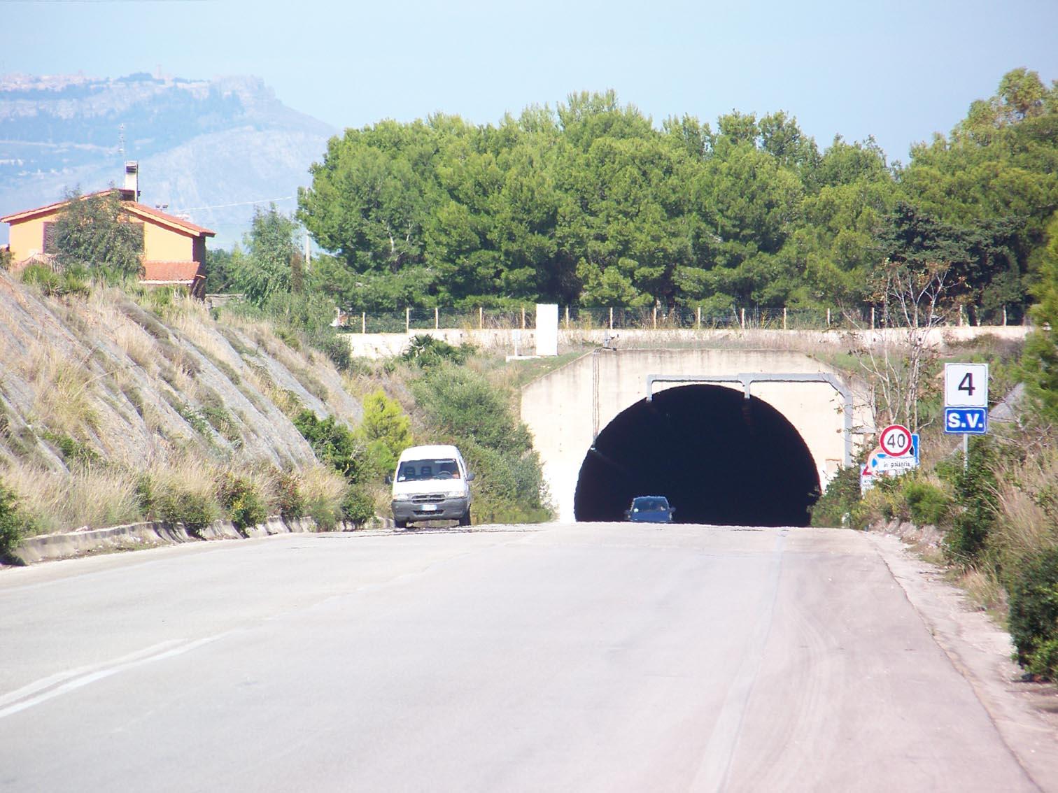 Marsala: scontro tra vetture sullo Scorrimento Veloce, ma niente feriti
