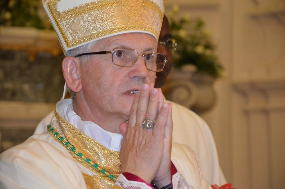 L'intervento del Vescovo di Trapani alla fine della Processione dei Misteri