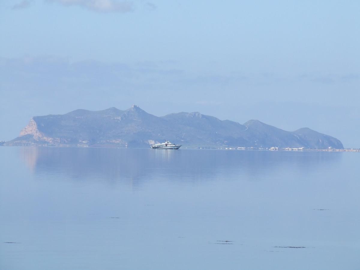 """Egadi: l'Area Marina Protetta aderisce alla """"Carta del Mare"""""""