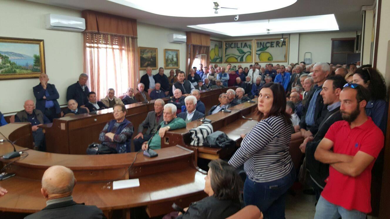 Campobello: incontro in comune contro l'aumento dei canoni irrigui