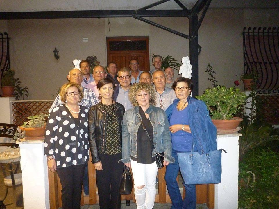 Di nuovo insieme dopo 45 anni gli alunni della quinta elementare di Birgi