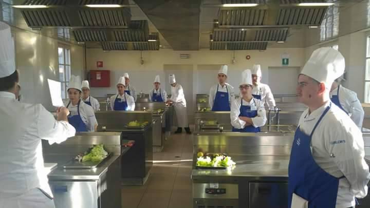 """Formazione: 12 studenti dell'alberghiero al prestigioso istituto """"Alma"""""""
