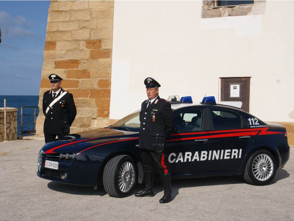 Estorsione, arrestato un uomo dai carabinieri