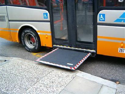 Marsala: bus disabili guasti si fa a rotazione, ma c'è chi ha bisogno e resta a casa…