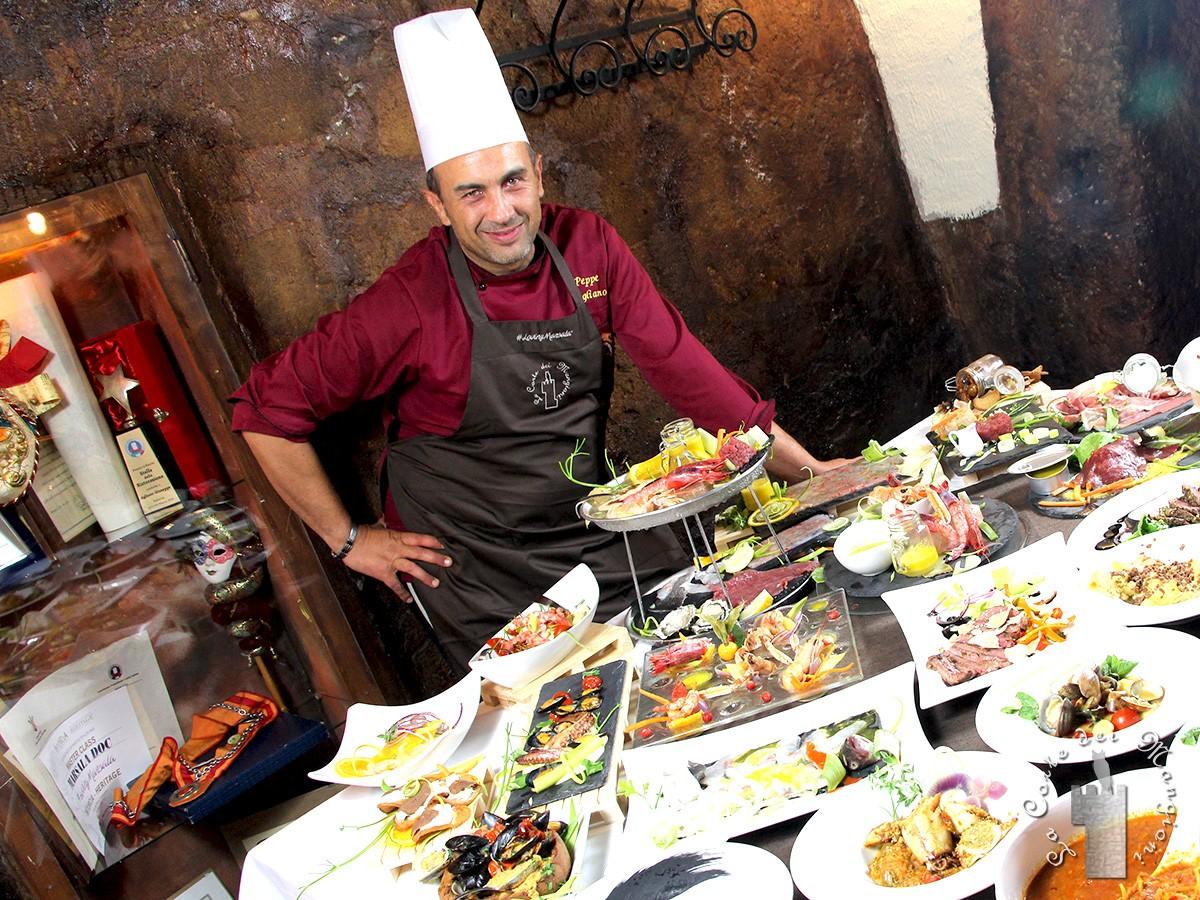 """Riapre a Marsala """"La Corte dei Mangioni"""", il ristorante dello chef Peppe Agliano"""