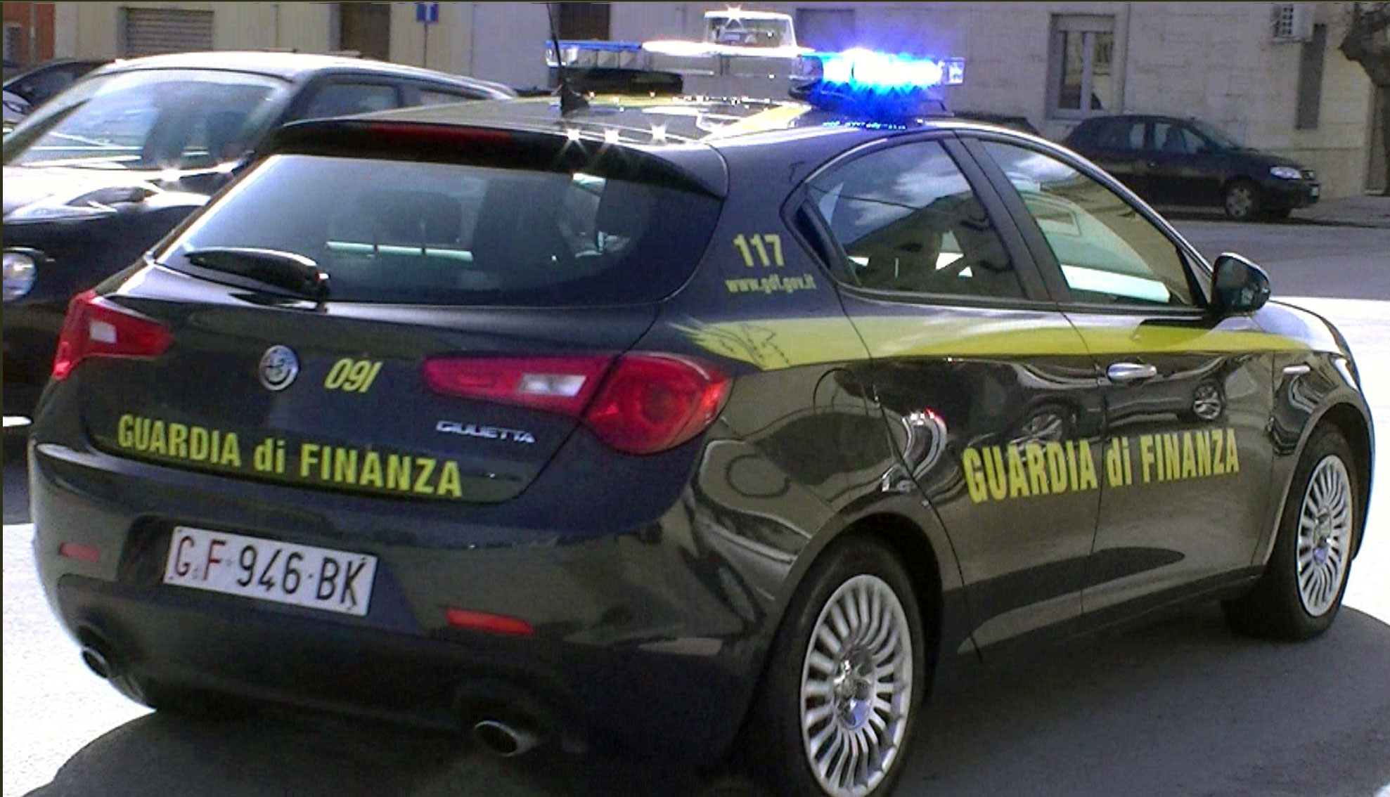 Finanza scova grossa frode a Trapani: otto persone incassavano indennità di congiunti deceduti