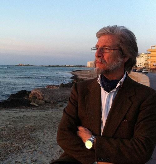 Enzo Tartamella, un maestro di rispetto per i lettori