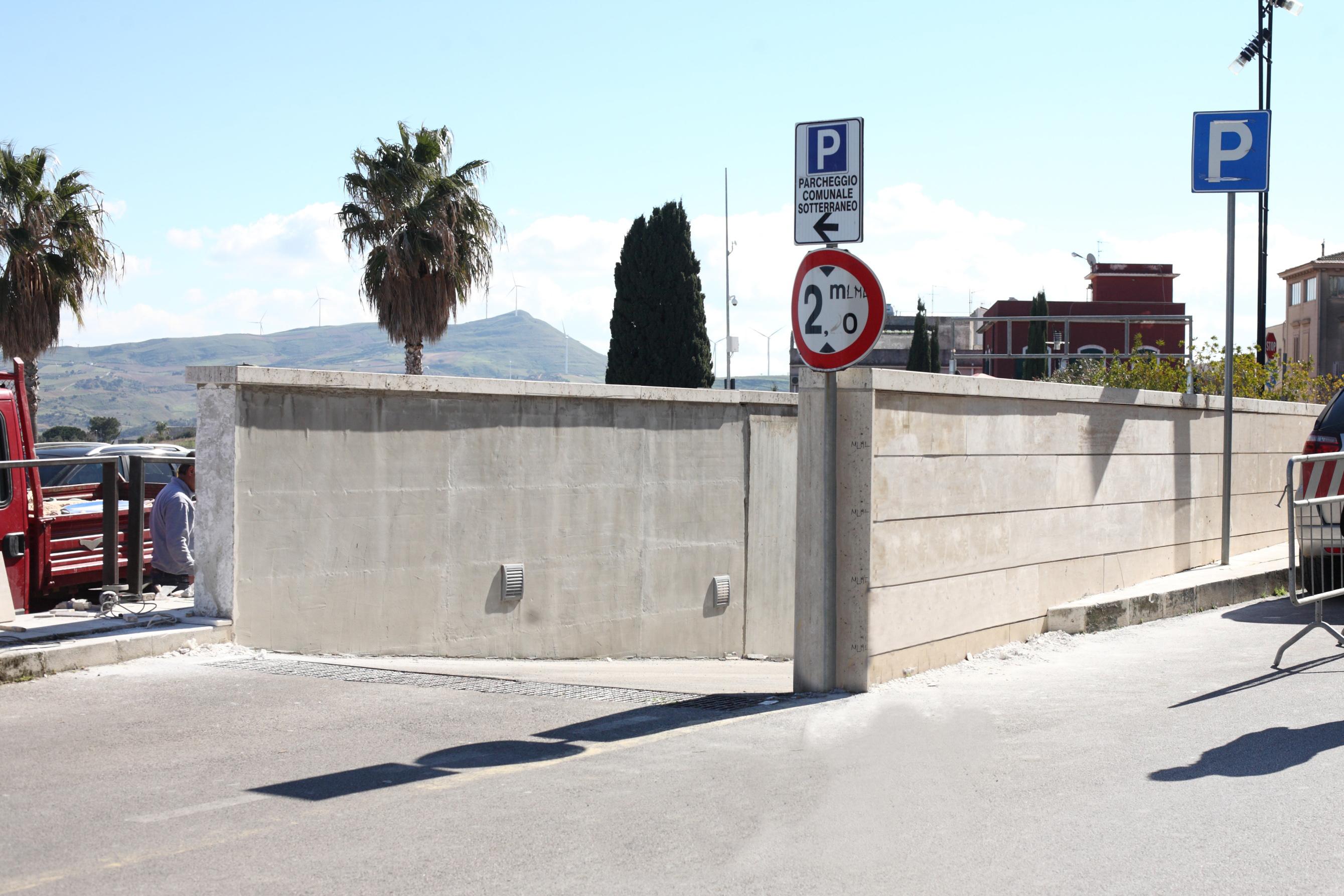 Alcamo, momentanea chiusura del parcheggio sotterraneo di piazza Bagolino. CentrAli per la Sicilia all'attacco