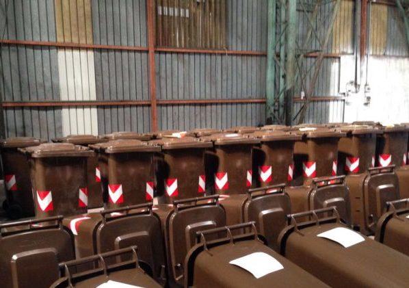 Emergenza rifiuti nel trapanese: alcuni sindaci sospendono la raccolta dell'organico