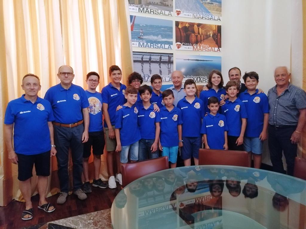 Giovani scacchisti della Lilybetana ricevuti dal sindaco per gli ottimi risultati conquistati