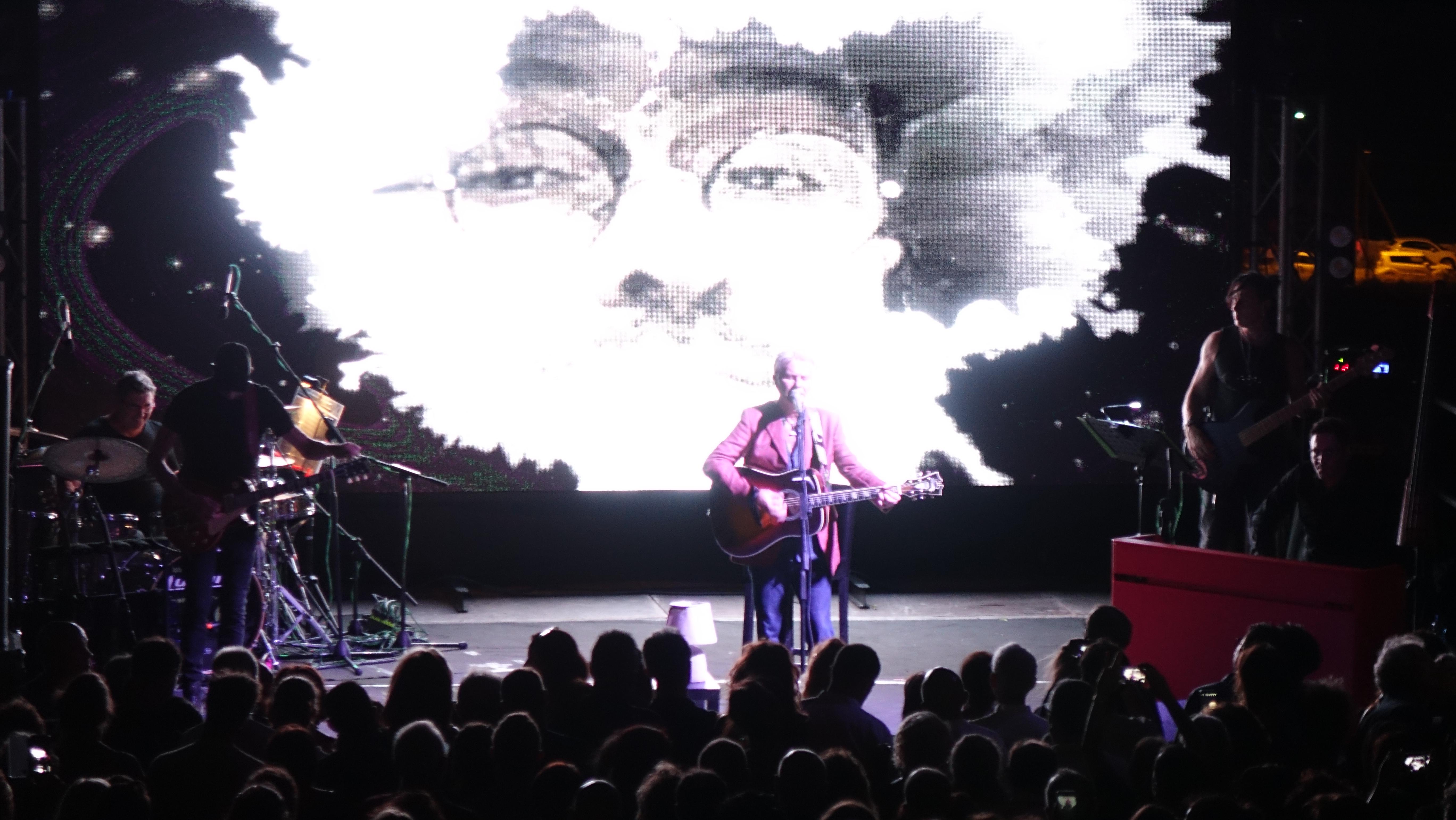 Ron canta Lucio Dalla: alle Cantine Fina emozioni che 'non bastano mai'…