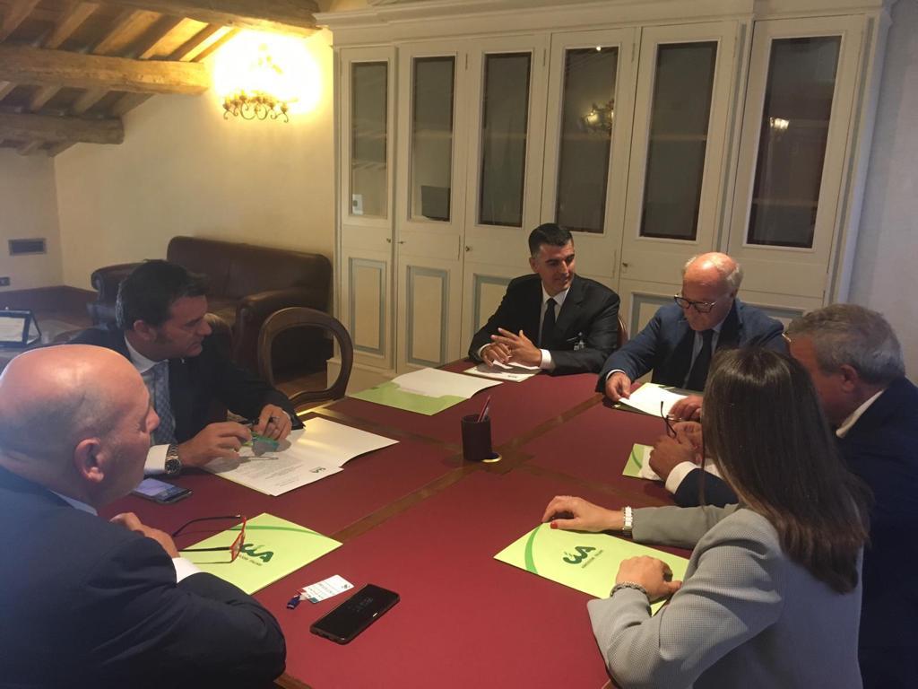 Vino siciliano, il Ministro Centinaio apre alle richieste dei produttori sulle rese