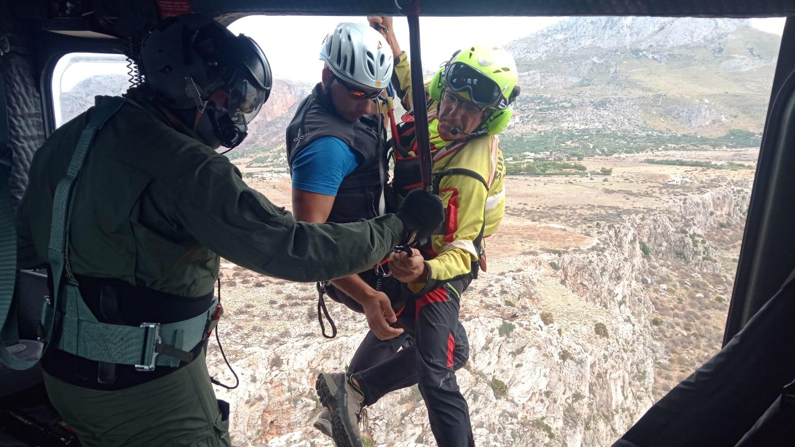 Aeronautica Militare e Corpo Nazionale Soccorso Alpino si addestrano insieme a Birgi