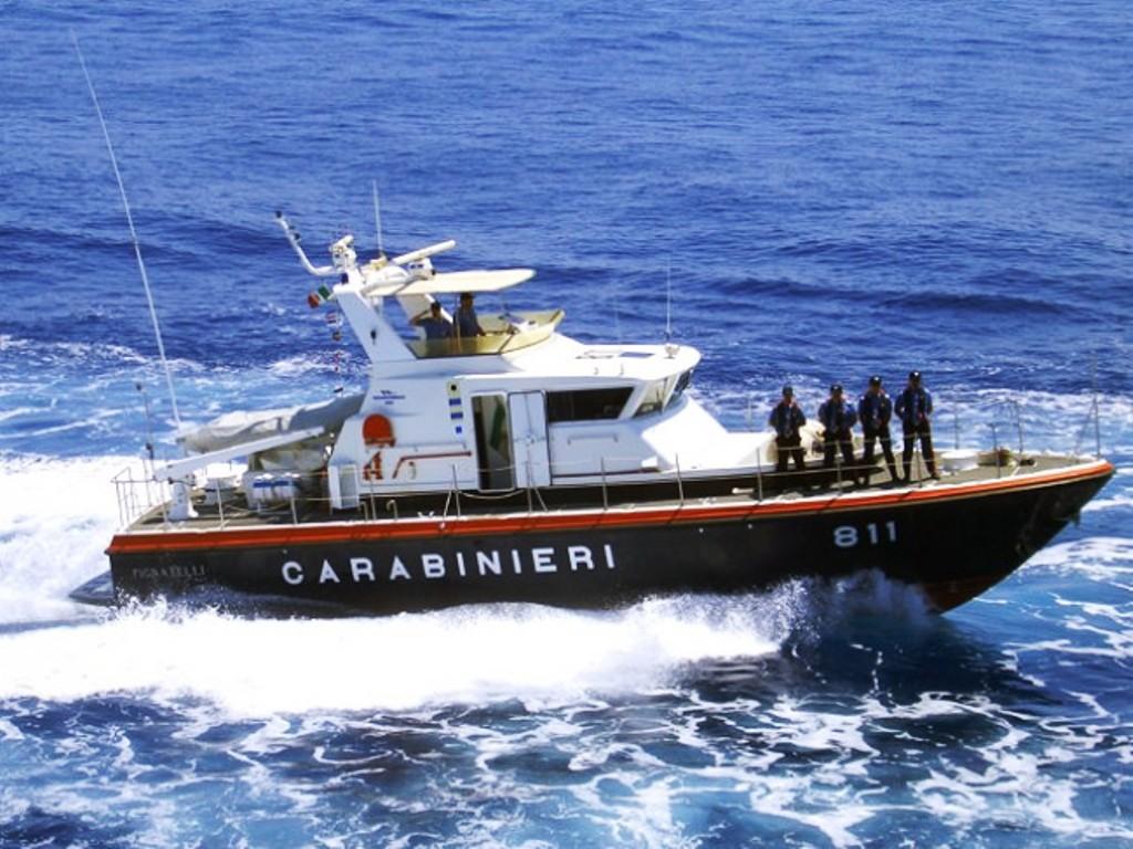 A Favignana controlli a tappeto dei Carabinieri. Ispezioni anche nei locali