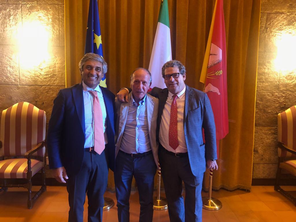 Nino Zizzo aderisce a Forza Italia. Scilla e Miccichè gli danno il benvenuto