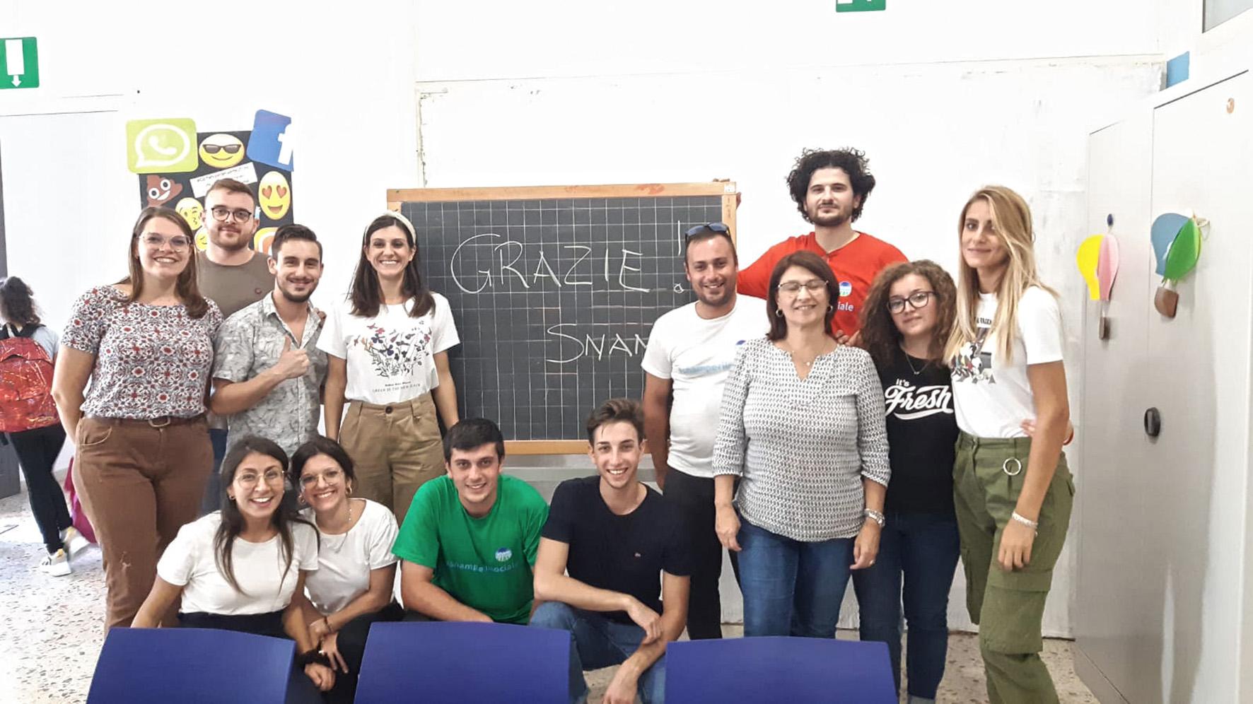 Dipendenti Snam volontari per un giorno alla Fondazione San Vito: raccolta di olive e doposcuola