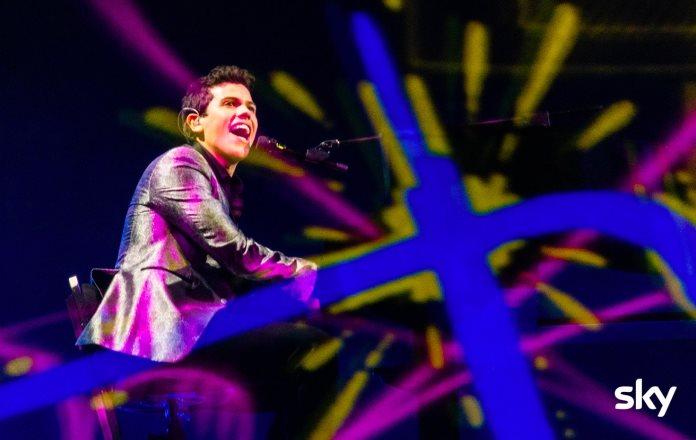 """X Factor: """"Glum"""", l'inedito di Davide Rossi e le foto esclusive dalla diretta"""