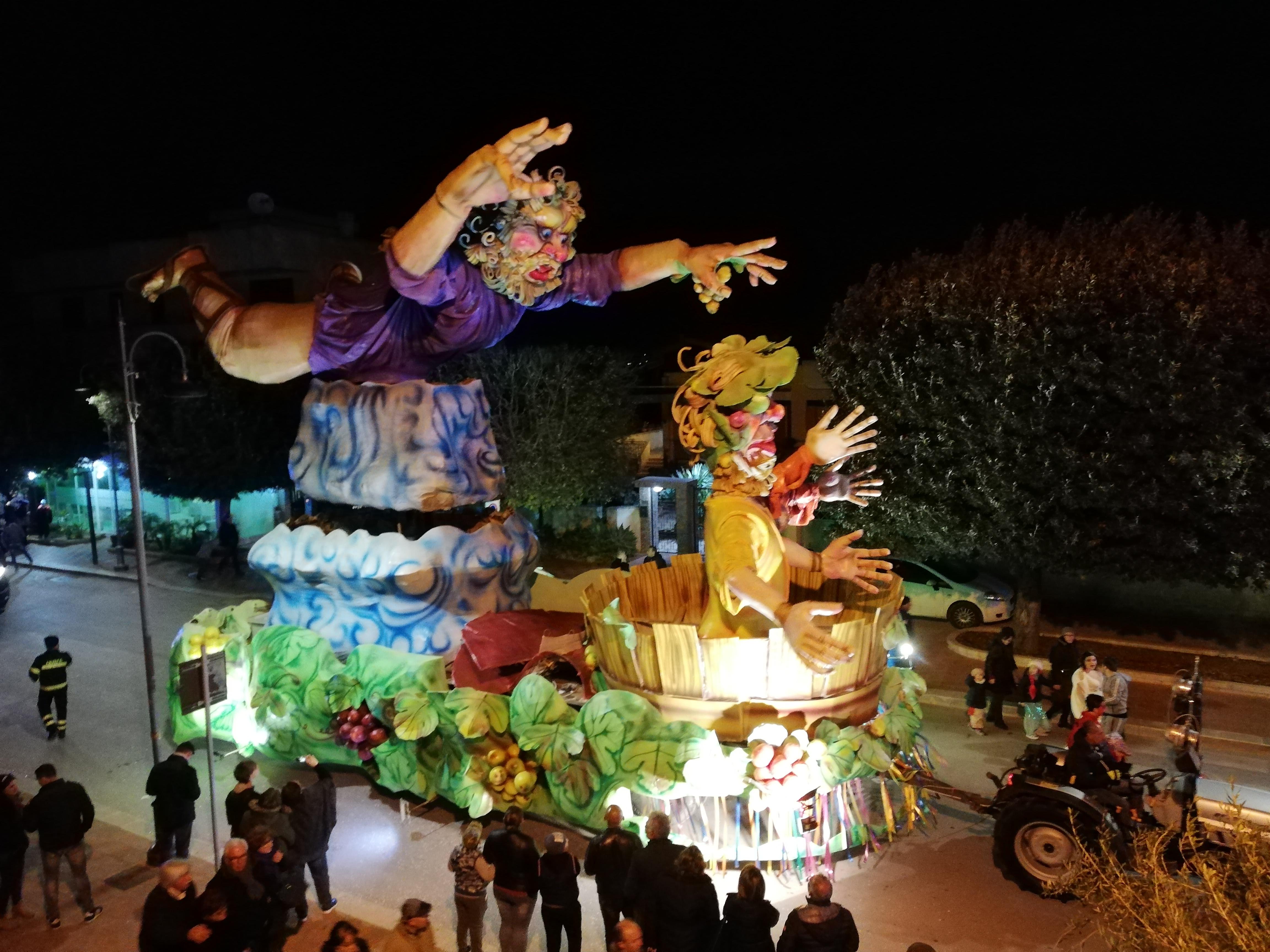 Carnevale Petrosino: saranno quattro i carri che sfileranno. Ecco quali sono
