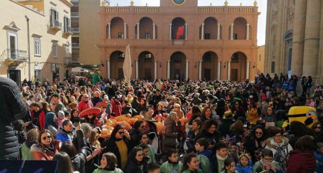 Marsala in festa per il Carnevale dei giovanissimi, tutti in piazza