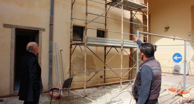 Ex scuola Crimi di Marsala: iniziati i lavori per collocare l'ascensore