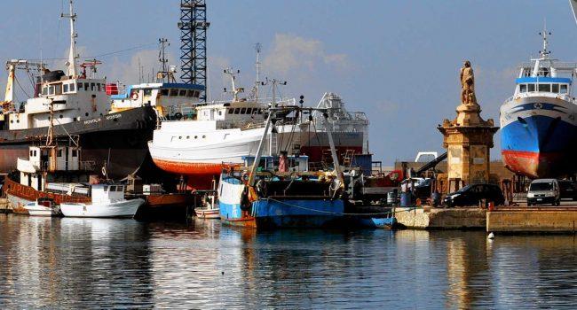 Crisi della marineria: è tutta colpa dell'Europa? Proposte, analisi e accuse di Corrao, Tancredi e Carlino