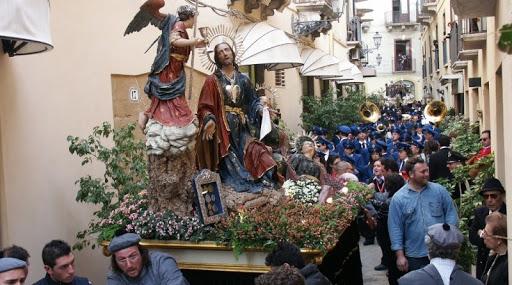 Misteri Trapani: Ceto Ortolani dona al reparto Terapia intensiva del Sant'Antonio Abate