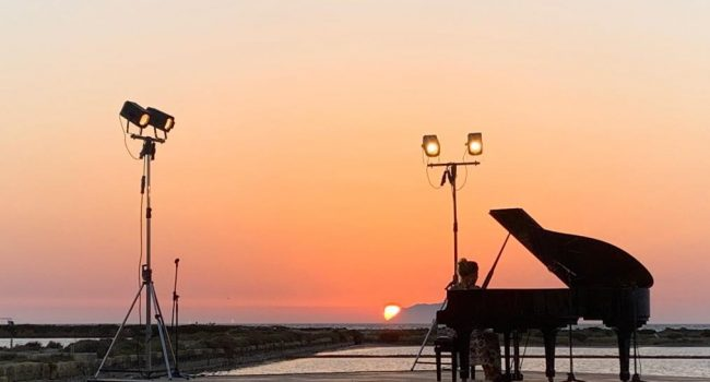 'A Scurata, le notti magiche alle Antiche Saline Genna: successo per la pianista Sinforosa Petralia