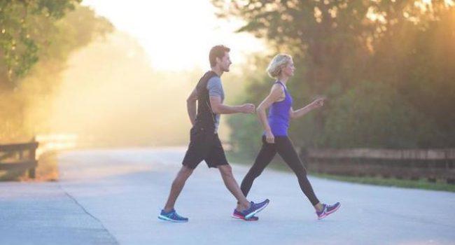 Ecco tutti i benefici del fitwalking (camminata veloce)