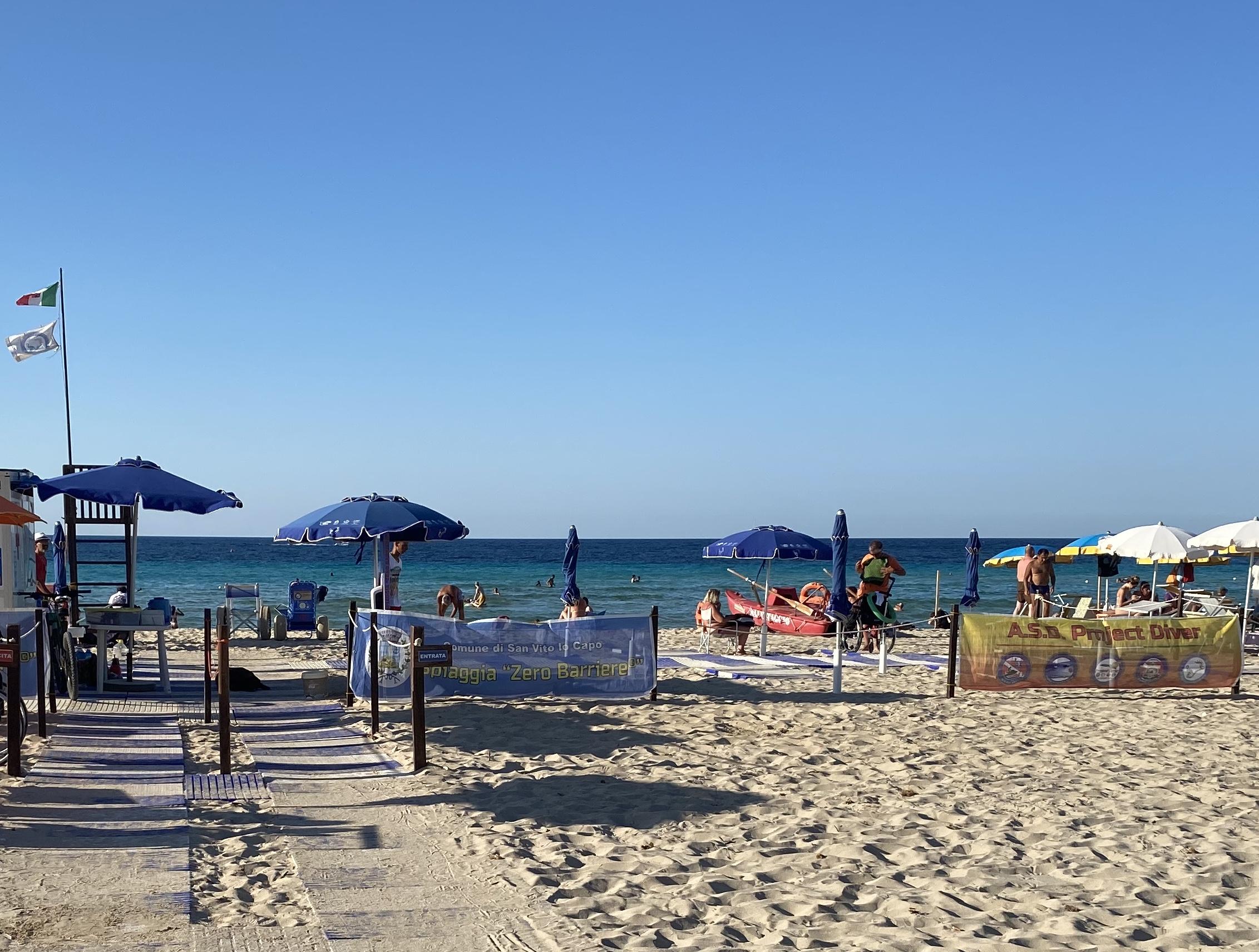 """""""Zero barriere 2020"""": operativa fino al 30 settembre la spiaggia per disabili a San Vito"""