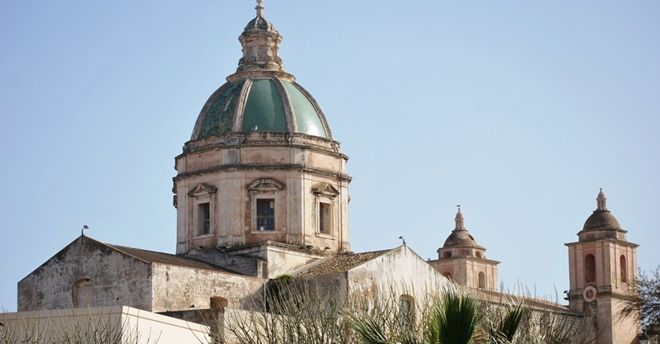 Parroco positivo al Covid, chiusa a Trapani la Chiesa di San Francesco d'Assisi