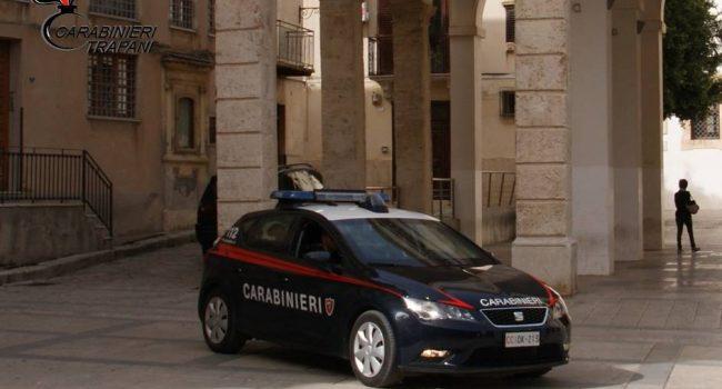 Aggredisce un coetaneo e ferisce un carabiniere: castelvetranese in arresto