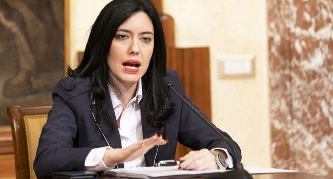 «Ministra Azzolina, ha fatto un disastro, ha distrutto docenti e alunni»: intervista alla portavoce dei docenti immobilizzati