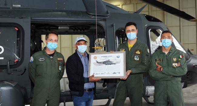 All'82° C.S.A.R. in visita il cacciatore ferito tratto in salvo con un elicottero dell'Aeronautica