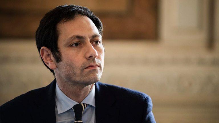 """Morti per Covid in Sicilia, quando l'assessore Razza disse: """"Spalmiamoli un po'"""""""