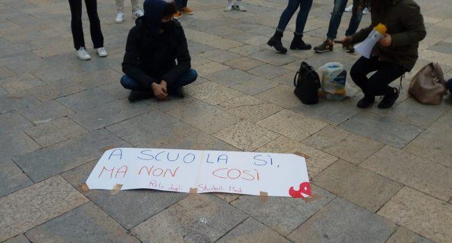 """""""A scuola sì, ma non così"""": anche a Marsala cresce la protesta degli studenti"""