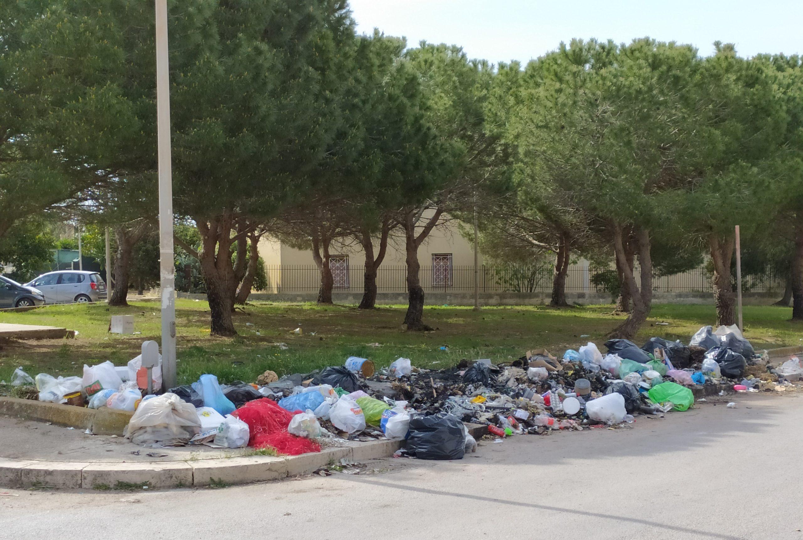 Il degrado di Amabilina: tra rifiuti abbandonati e occasioni perdute