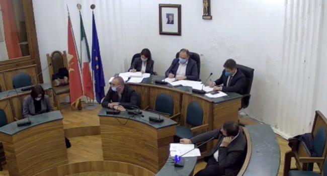 Castellammare: impianto di cremazione archiviato dal Consiglio. Approvato un odg per l'istituzione della riserva di Monte Inici
